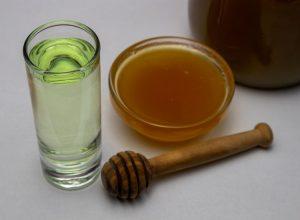 настойка самогона на меду
