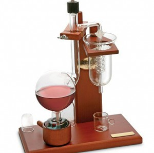 Traditional-Classic-Wine-Distiller_20090656953-e1427454628699