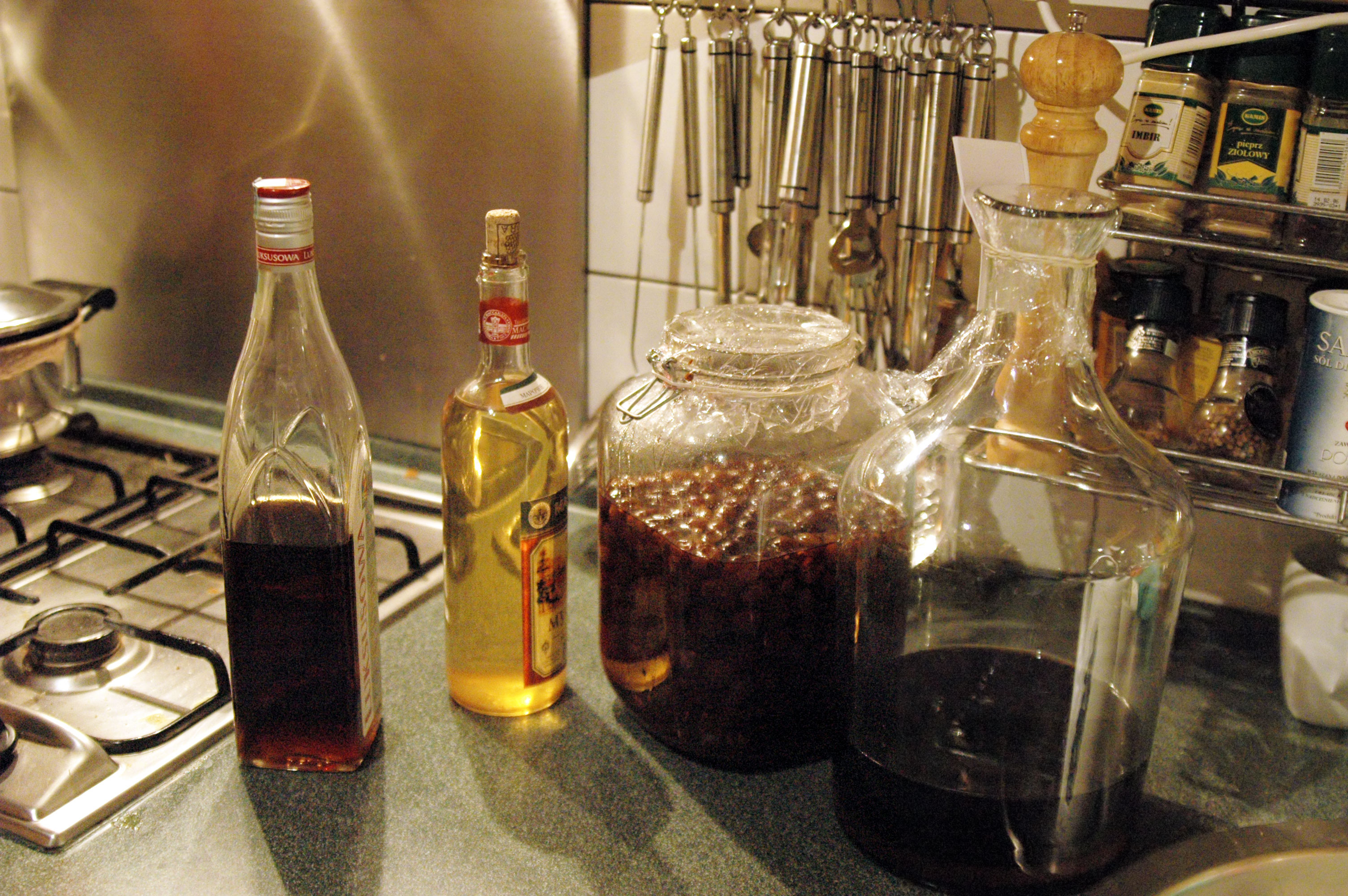 Настойки на спирту в домашних условиях: пошаговые рецепты 33